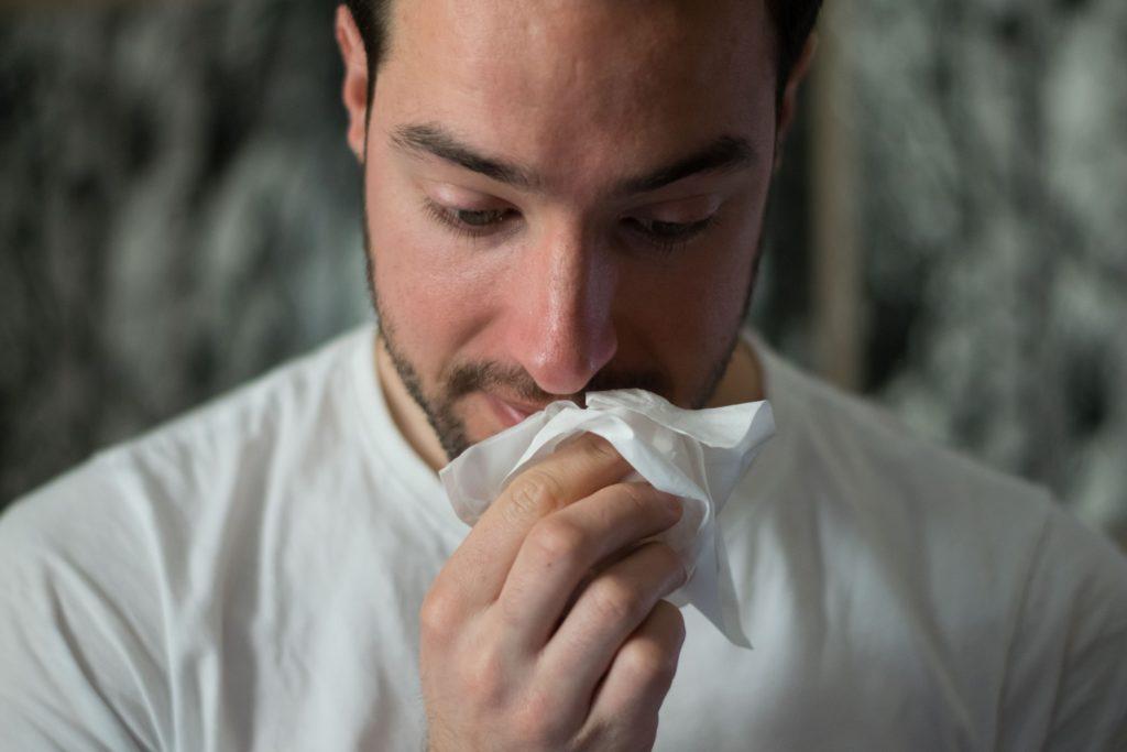Man met zakdoek